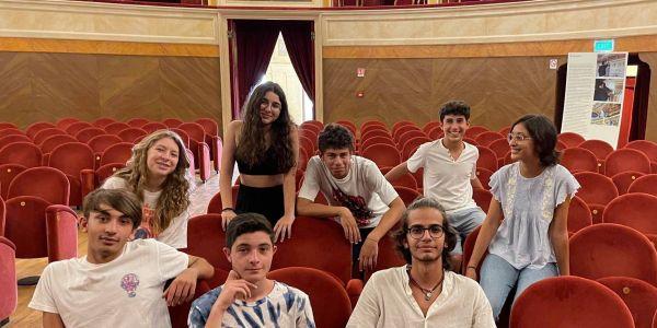"""Non è amore"""", gli studenti del Gargallo in scena al Teatro comunale con la compagnia Ultimo Giro"""